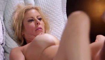 MILF Raylene treats her boyfriend