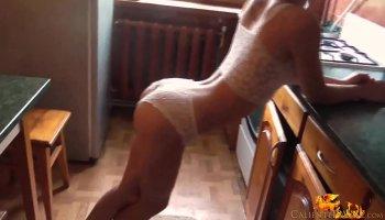 Petite blonde Dakota Skye shaves pussy and fucks